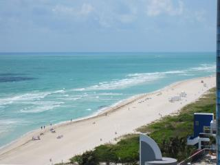 Luxurious Ocean Front  Condo in Akoya, Miami Beach - MONTLY RENTALS ONLY