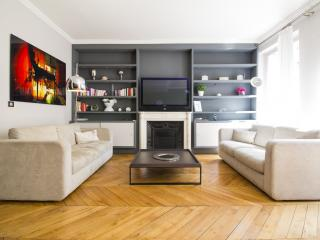 Vacation Rental near Champs Elysees