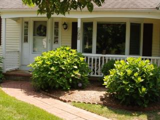 Have some peace & quiet in this beautiful home!!, Falmouth