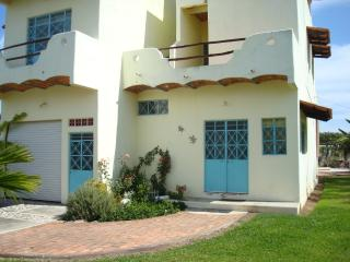 Gorgeous Home w/pool, Beach-2Blks.RATES LOWERED!!