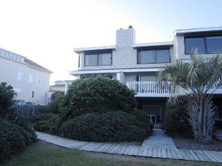 Station One-TH16 Boucher-Oceanfront townhouse; community pool, tennis, beach, Wrightsville Beach
