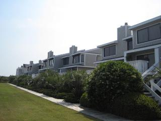 Station One-TH5 Winstead-Oceanfront townhouse; community pool, tennis, beach, Wrightsville Beach