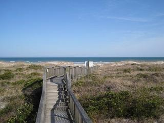 Wrightsville Dunes 1A-E - Oceanfront condo with community pool, tennis, beach, Wrightsville Beach