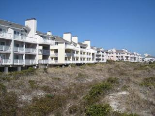 Wrightsville Dunes 3C-G - Oceanfront condo with community pool, tennis, beach, Wrightsville Beach
