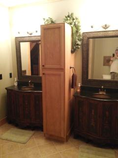 upstairs large bath with twin vanities