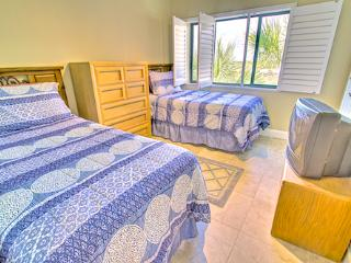 Sea Haven Resort - 516, Oceanfront, 2BR/2.5BTH, Pool, Beach, St. Augustine