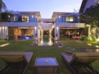 Casa Hannah, Luxury Large 5Bed/5Bath Seminyak