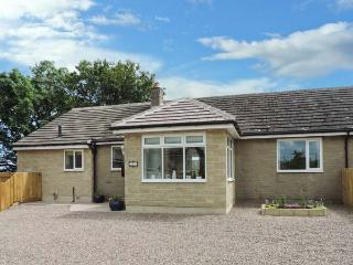 IREBY HOUSE, ground floor, wet room, enclosed garden, patio with furniture, WiFi, Ref 912658, Morpeth