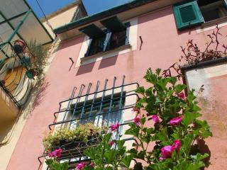 Cozy 3 story house in Cinque Terre (Bonassola)