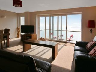 6 Astor House 2 bed with stunning sea views and private balcony, Torquay