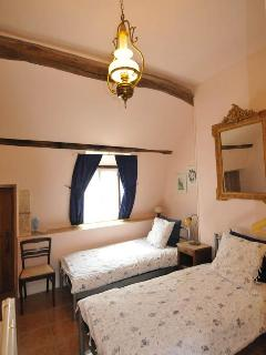 Benedictine Suite Bedroom with Twin Beds