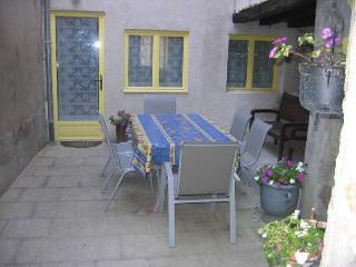 Cosy 2 BDRM House Historic Town Centre
