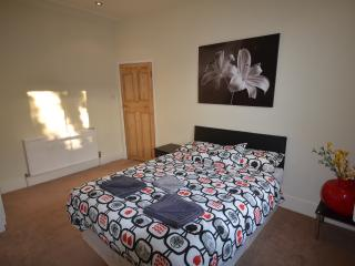 Cosy 2 bedroom flat Shepherds bush