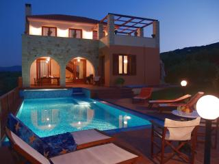 Villa Katerina:Luxury Villa with Pool in W.Crete, Kolymbari