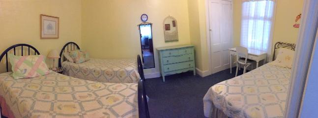 2nd bedroom - wide view