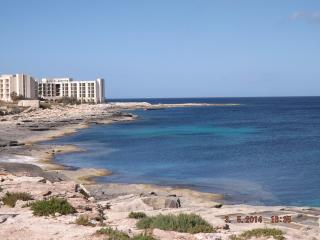 Luxury Modern 3Bedroom SeaView Apt + FreeWIFI, Marsascala