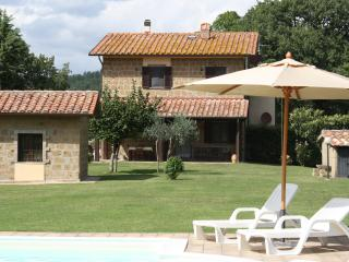 Recently restored farmhouse in Southern Tuscany, private garden and outdoor pool, Sorano