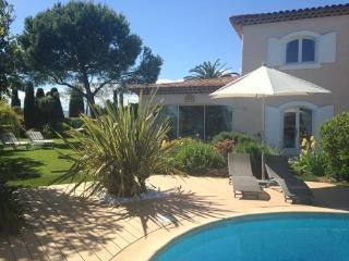 JdV Holidays Gite Lily, immaculately presented gite with pool walking to village, Valbonne