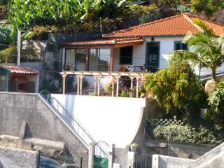 Modern 3 Bedroom Holiday Villa in Funchal, Sao Martinho