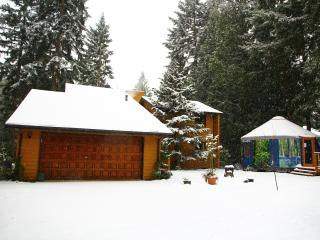 Lovely 4 acre forest property & home for 2-24 near town+yurt/hot tub/decks/lawns