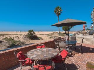 414 A East Oceanfront- Lower 3 Bedroom 2 Baths, Newport Beach