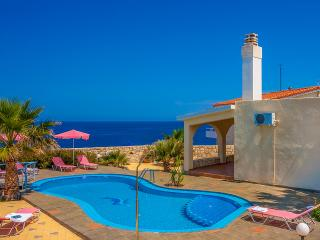 Villa Clio with breathtaking sea & sunset view, Akrotiri