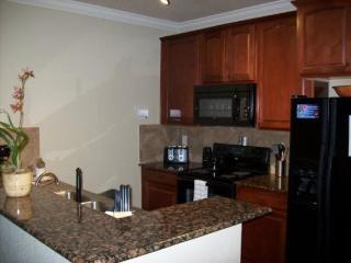 3 Bedroom 3 Bathroom Condo in Bella Piazza Resort. 914CP-115, Orlando