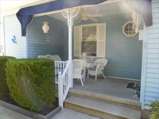 Beautiful 2 Bedroom, 2 Bathroom House in Cape May (6023)