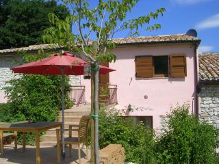 apartment Il Colonello with swimming pool, Pergola