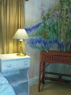Artist Trump Loy painting adds ambiance