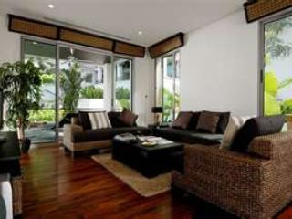 Superb 115m2 apartment, Kata beach/town 5 min.walk, Kata Beach