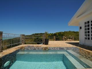 Villa Mon Calme beautiful view on Rodrigues island for 8 p, pool, internet, wifi