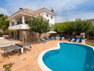 Perfect family holidays home, Sant Pere de Ribes