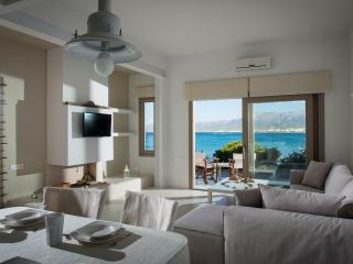Villa Asterias sea-front house
