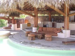 Luxury Beach Front House, Troncones