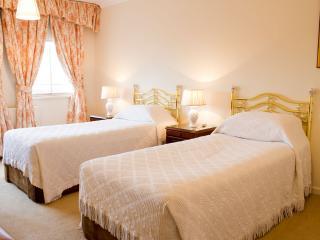 Quality 2 Bedroom Apartment Kensington London