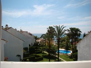 Casa del Loro Bailador - great sea views!, Estepona