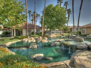 COOK211 - Palm Lakes Vacation Rental - 2 BDRM, 2 BA, Palm Desert