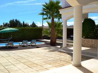 Genial Villa de 6 dormitorios con piscina, Isla Cristina