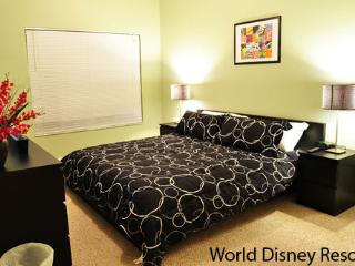 ⭐LOVELY 4 Bed⭐Private Hot Tub/ Wii/ Game Room/ BABY-Friendly/ 10 min to Disney!