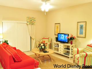Beautiful 4 Bedroom Townhouse at Coral Cay Resort and only 6 miles from Disney, Kissimmee