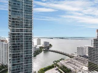 ICON/W- 2 bed/1 bath w DIRECT BAY VIEW - AVAILABLE THIS WINTER!, Miami