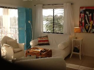 Shabby Chic Meets the 60's Beach Condo, Sint-Augustinus