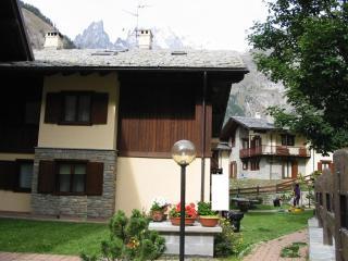 La casa con il suo giardino