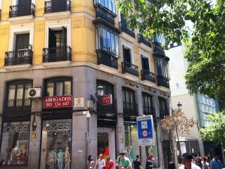 FANTASTIC  central & ELEGANT  SOL Velazquez Suite