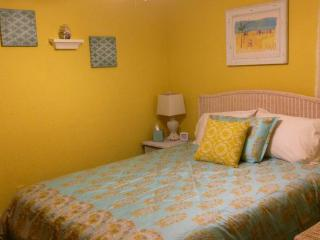 New Listing! Flat Screen Hd TV'S, NFL Pkg Adorable!!, Ormond Beach