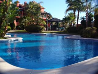 Bonita Hills Calahonda 2 bed 2 bath ground floor direct pool access