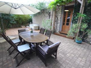 Charming apart. with garden in Montpellier center