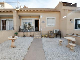Casa Victoria 2 Bedroom Bungalow Near Villamartin
