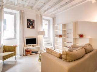 Luminous and Centric Forum Apartment
